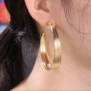 New 18K Yellow Gold Women's Girls Round Earrings